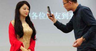 « Jia Jia », le robot humanoïde féminin qui «préfère restercélibataire»: «Vous êtes un homme charmant», complimente-t-elle